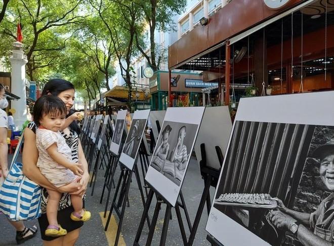 Trần Thế Phong - nhiếp ảnh gia chuyên chụp ảnh nụ cười ảnh 3