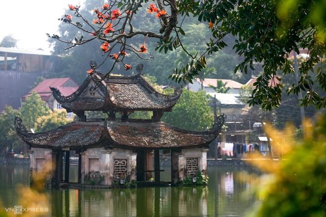Lễ hội chùa Thầy không tổ chức phần hội, du khách vẫn có thể tới tham quan di tích ảnh 1