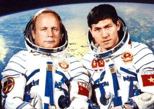 Công bố nhiều tài liệu mật về chuyến bay vào vũ trụ của anh hùng Phạm Tuân ảnh 2