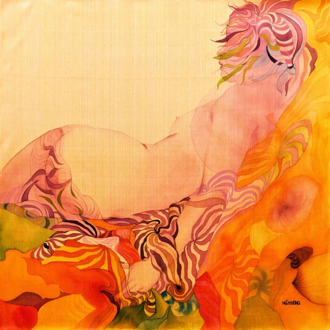 """Triển lãm """"Hương lụa"""": Những tự sự của phái đẹp trên bề mặt óng ả ảnh 2"""