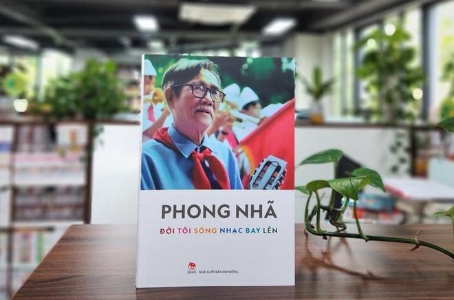"""Ra mắt hồi ký của nhạc sĩ """"Ai yêu Bác Hồ Chí Minh hơn thiếu niên nhi đồng"""" ảnh 1"""