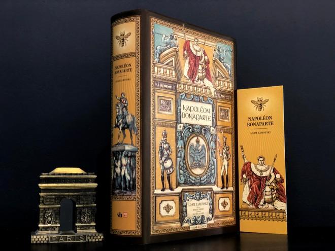 """""""Napoleon Bonaparte"""": Cuốn sách chân thực về """"hoàng đế nước Pháp"""" ảnh 1"""