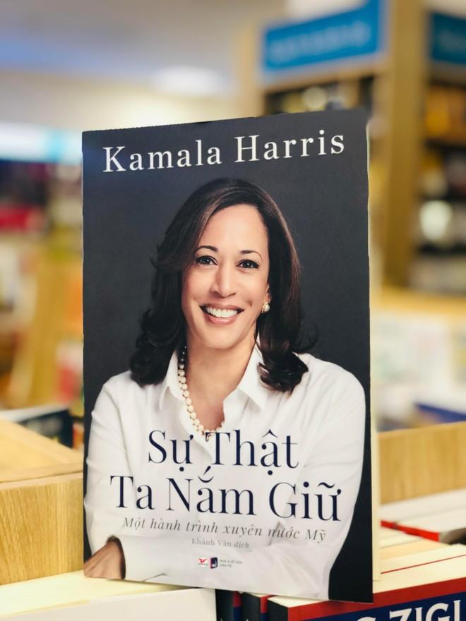 Ra mắt hồi ký của Phó Tổng thống Mỹ Kamala Harris ảnh 1
