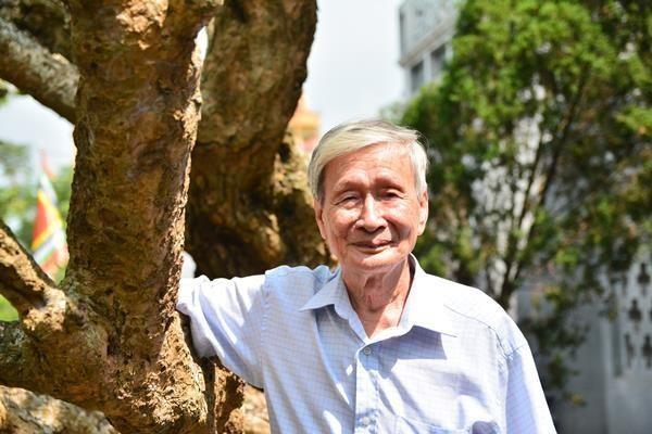 """Nhà văn Nguyễn Xuân Khánh đã """"đội gạo lên chùa"""" ở tuổi 89 ảnh 1"""