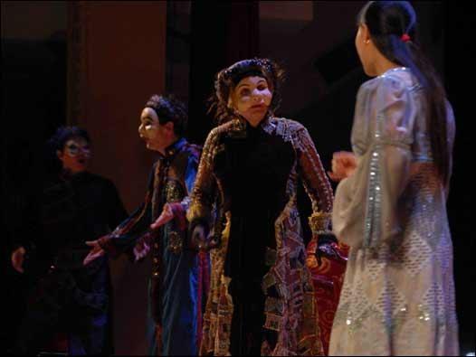 Trình diễn vở bi kịch cổ đại gần 2.500 năm về nàng Antigone tại Hà Nội ảnh 1