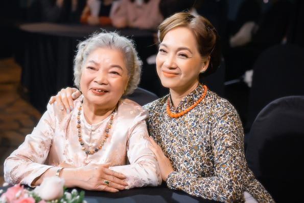 Chia sẻ của nghệ sĩ Lê Mai, Kim Xuyến lần đầu tiên được xét tặng Nghệ sĩ ưu tú ảnh 1