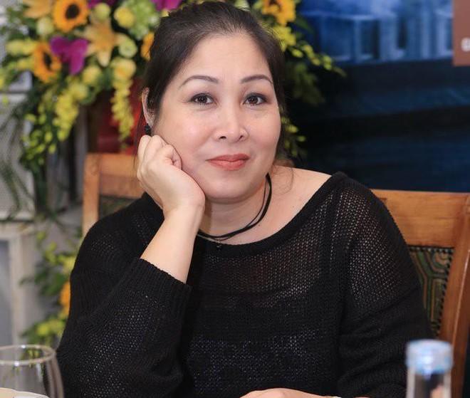 Hồng Vân xóa danh hiệu Nghệ sĩ nhân dân trên fanpage. Lý do là? ảnh 1