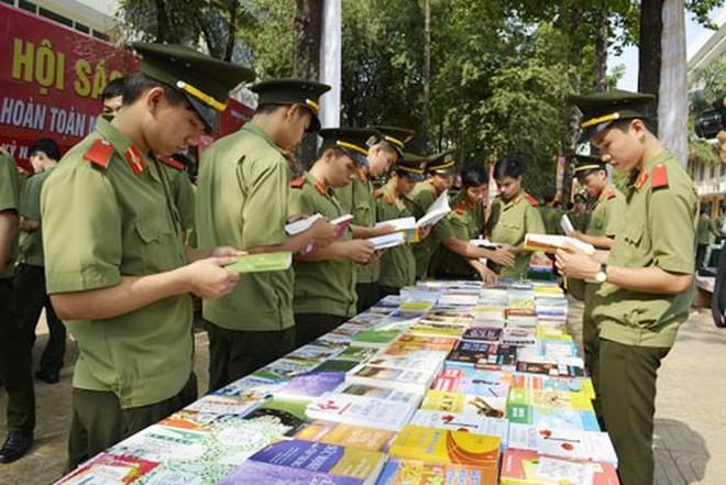 Hơn 300.000 bài dự thi Đại sứ Văn hóa đọc trong CAND năm 2021 ảnh 1