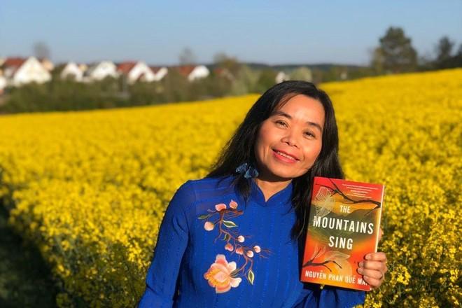 Nhà văn Việt Nam giành giải văn học lớn ở Mỹ ảnh 1