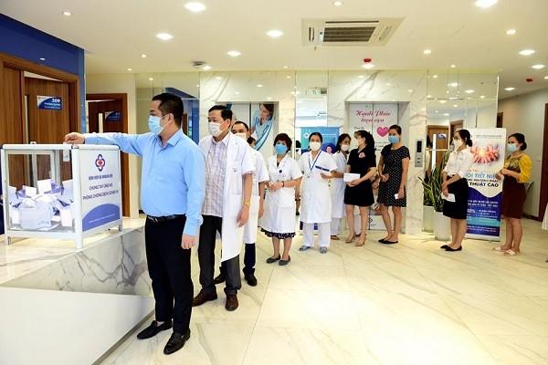 Các bệnh viện ở Hà Nội siết chặt kiểm soát, phòng chống dịch Covid-19 ra sao? ảnh 3