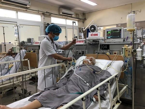 Nhập thuốc giải độc 8.000 USD/ lọ để cứu bệnh nhân liệt cơ vì ăn pate Minh Chay ảnh 1