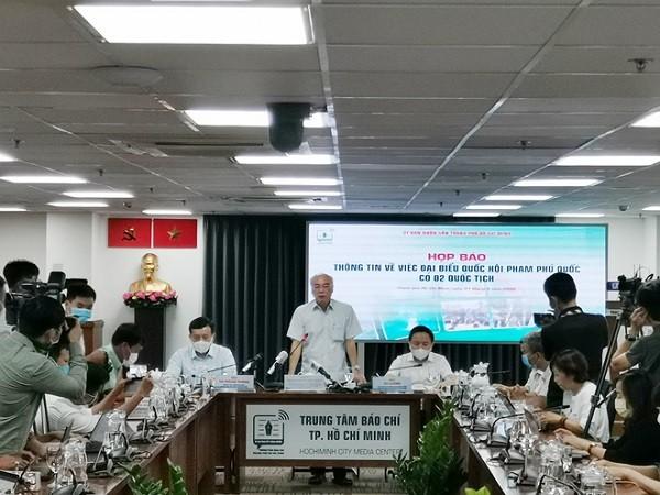 Vụ ĐBQH Phạm Phú Quốc có 2 quốc tịch: Sẽ đình chỉ chức vụ và kiến nghị bãi miễn tư cách ĐBQH ảnh 1