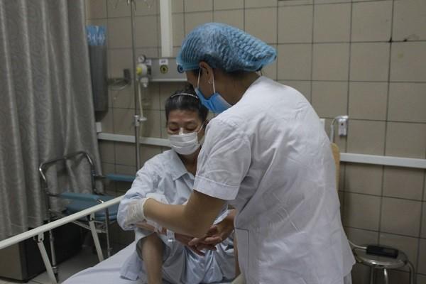 Thêm hơn chục bệnh nhân vào viện do ăn pate Minh Chay, thuốc giải độc 8.000 USD/lọ là hàng hiếm ảnh 1