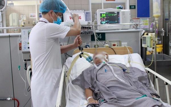 Vụ pate Minh Chay: Thêm 24 ca đến viện, bệnh nhân tiêm thuốc giải độc 8.000 USD/ lọ có tiến triển ảnh 1