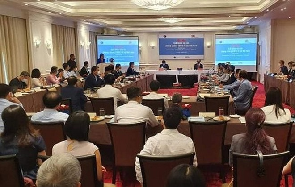 Quyền Bộ trưởng Y tế: Việt Nam có thể nhập vaccine phòng Covid-19 của Anh ảnh 1