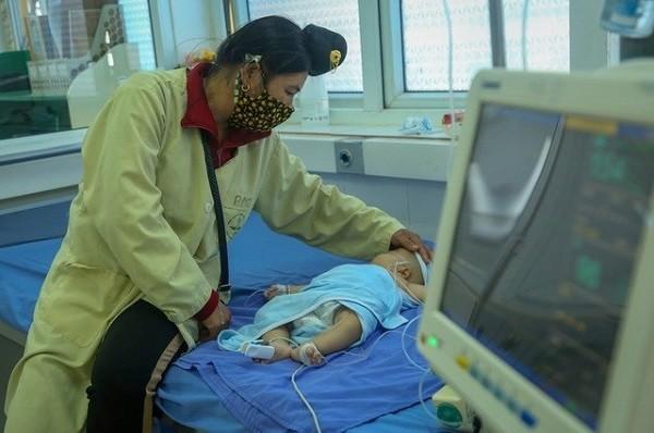 Bộ Y tế điện khẩn vụ hai trẻ tử vong sau tiêm vaccine viêm gan B và ComBE Five ảnh 1