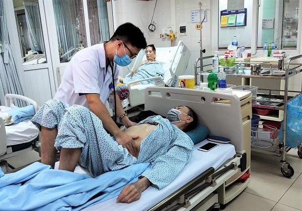 Hà Nội: Bệnh nhân nguy kịch vì ngộ độc chất đã bị cấm từ 1973 ảnh 1