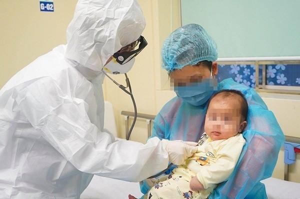 Chuyên gia Nga cùng con gái 1 tuổi được phát hiện mắc Covid-19 sau khi nhập cảnh Việt Nam ảnh 1