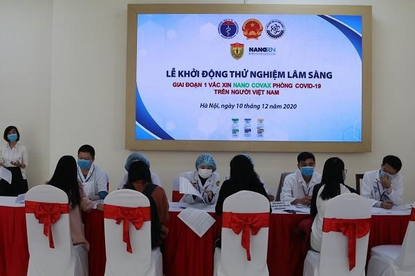 Xếp hàng đăng ký tiêm thử nghiệm vaccine Covid-19 của Việt Nam, giá khoảng 120.000 đồng/ liều ảnh 1