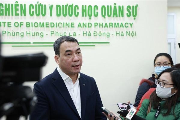 Ba người Việt Nam đầu tiên được tiêm thử nghiệm vaccine Covid-19 ảnh 2
