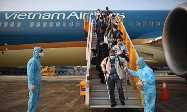 Sẽ dừng, hạn chế chuyến bay từ một số quốc gia có chủng SARS-CoV-2 biến thể? ảnh 1