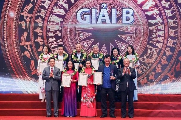 """43 tác phẩm được trao Giải báo chí """"75 năm Quốc hội Việt Nam"""" ảnh 2"""