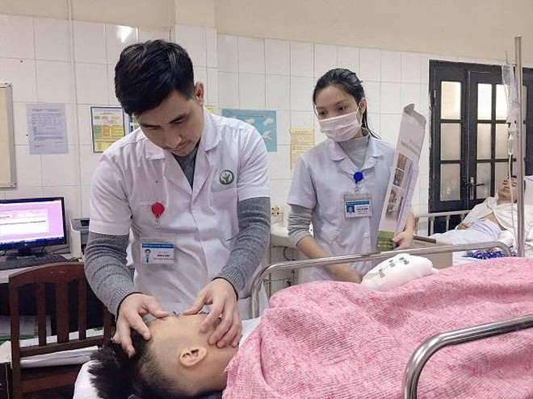 Thêm 2 người nhập viện cấp cứu do tự chế pháo nổ, càng gần Tết càng lo ảnh 1