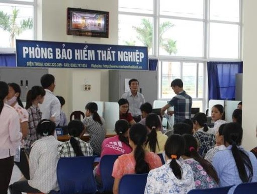 Hà Nội: Tăng vọt hơn 90.000 người tham gia bảo hiểm thất nghiệp trong năm 2020 ảnh 1