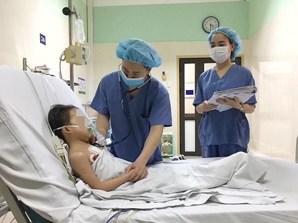 Việt Nam xác lập kỷ lục mới: Ghép tim cho bệnh nhi mới 7 tuổi từ người hiến 19 tuổi ảnh 1