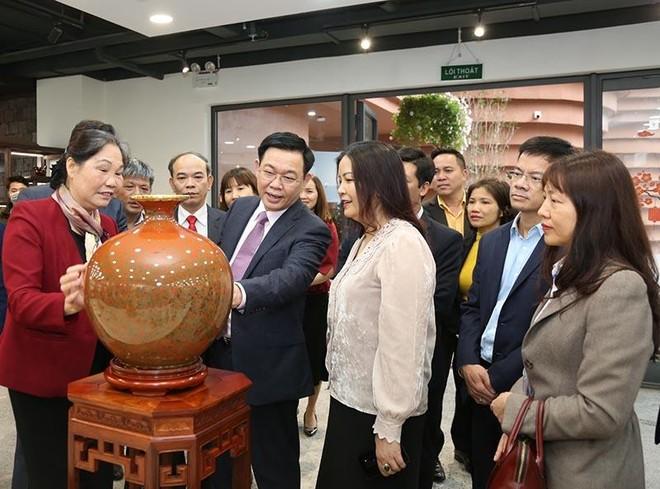 """Bí thư Thành ủy Hà Nội: Gia Lâm phải lên quận """"một cách đàng hoàng"""", không được nợ tiêu chí ảnh 1"""