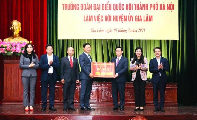 """Bí thư Thành ủy Hà Nội: Gia Lâm phải lên quận """"một cách đàng hoàng"""", không được nợ tiêu chí ảnh 3"""