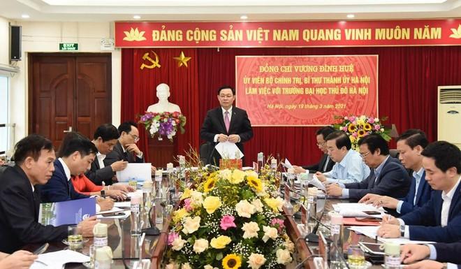 Bí thư Thành ủy Vương Đình Huệ cảnh báo về tỷ lệ sinh viên nhập học Đại học Thủ đô giảm ảnh 2