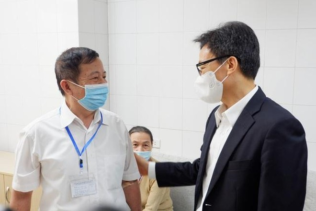 Phó Thủ tướng Vũ Đức Đam được tiêm mũi thứ hai vaccine Covid-19 do Việt Nam sản xuất ảnh 2