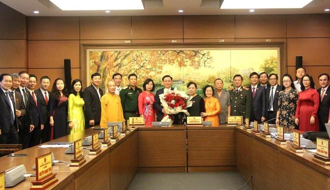 Đoàn đại biểu Quốc hội TP Hà Nội chúc mừng tân Chủ tịch Quốc hội Vương Đình Huệ ảnh 1