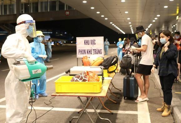 13 người Việt trở về từ Philippines mắc Covid-19 ảnh 1