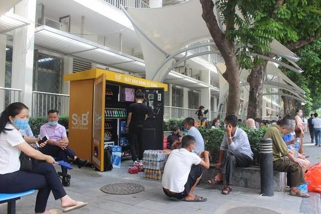 Phía sau những ồn ào ở Bệnh viện Bạch Mai: Người bệnh được lợi gì? ảnh 3