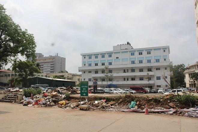 Phía sau những ồn ào ở Bệnh viện Bạch Mai: Người bệnh được lợi gì? ảnh 4