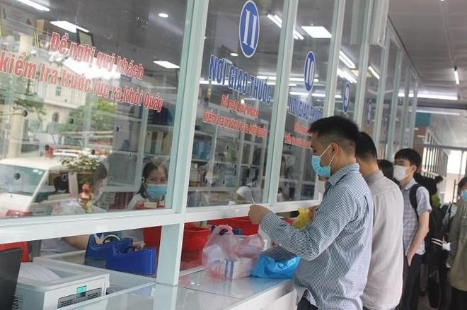 Phía sau những ồn ào ở Bệnh viện Bạch Mai: Người bệnh được lợi gì? ảnh 5