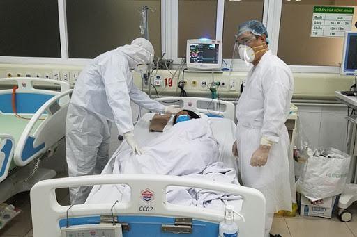 Ba bệnh nhân Covid-19 bất ngờ tiến triển nặng dù trẻ khỏe, không có bệnh nền ảnh 1