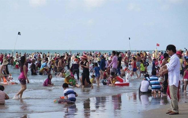 Bộ Y tế kêu gọi người dân hạn chế tụ tập đông người dịp nghỉ lễ 30/4 và 1/5 ảnh 1