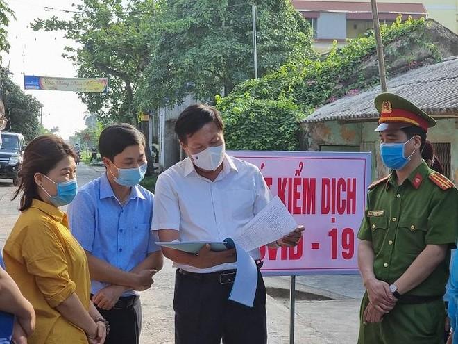 Thêm 3 người trong một gia đình ở Hà Nam mắc Covid-19 liên quan đến chùm ca bệnh từ BN2899 ảnh 1