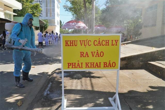 Hà Nội: Một người ở Đông Anh và ba người ở Sóc Sơn dương tính với SARS-CoV-2 ảnh 1