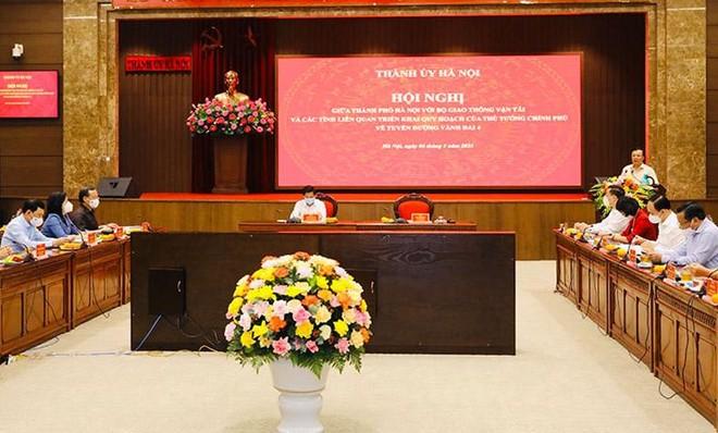 Hà Nội họp bàn với Bộ GTVT cùng 4 tỉnh về xây tuyến đường vành đai 4 dài gần 100 km ảnh 1