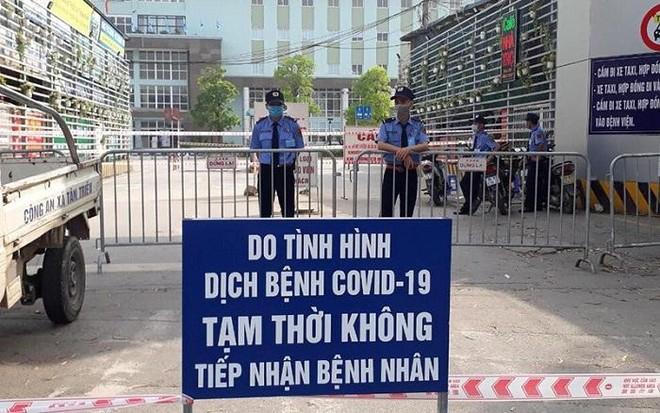 Việt Nam nâng cảnh báo chống dịch Covid-19 lên mức cao nhất ảnh 1