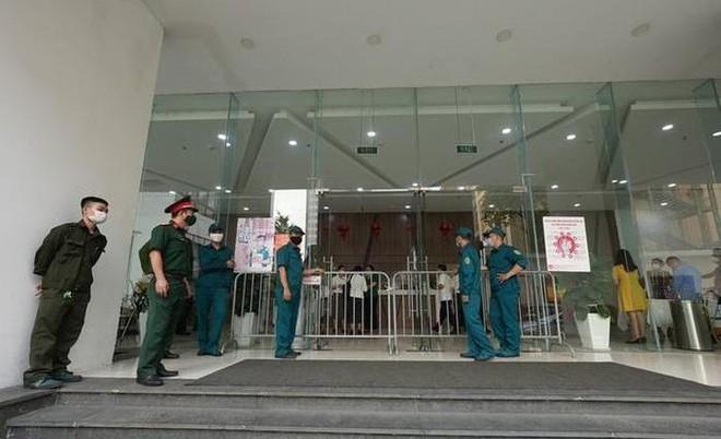Lịch trình di chuyển dày đặc của 2 vợ chồng bệnh nhân Covid-19 ở Hà Nội: Tiếp xúc rất nhiều người ảnh 1