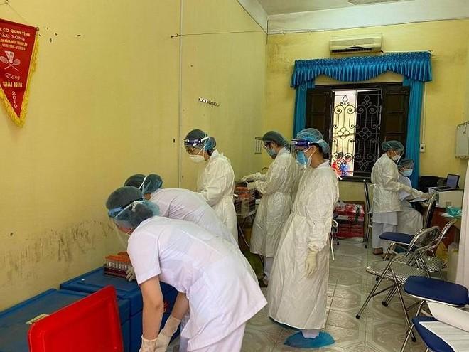 Lấy mẫu khẩn cấp gần 80.000 công nhân ở khu công nghiệp Vân Trung để xét nghiệm Covid-19 ảnh 4