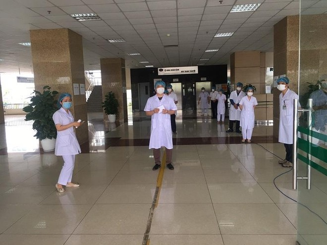 Bầu cử tại 2 bệnh viện Trung ương bị phong tỏa vì Covid-19 diễn ra như thế nào? ảnh 1