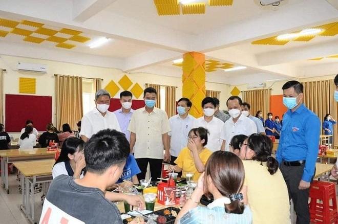 100 ca Covid-19 mới trưa 25-5 tại Bắc Giang, Hà Nội, TP.HCM và 3 địa phương khác ảnh 1