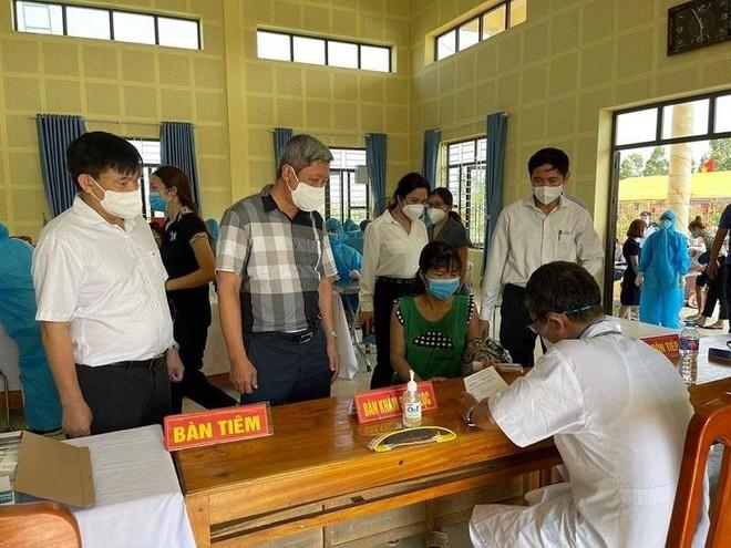 102 ca Covid-19 trưa 3-6: Hà Nội có 2 bệnh nhân liên quan KCN ở Bắc Giang, TP HCM thêm 19 ca ảnh 1