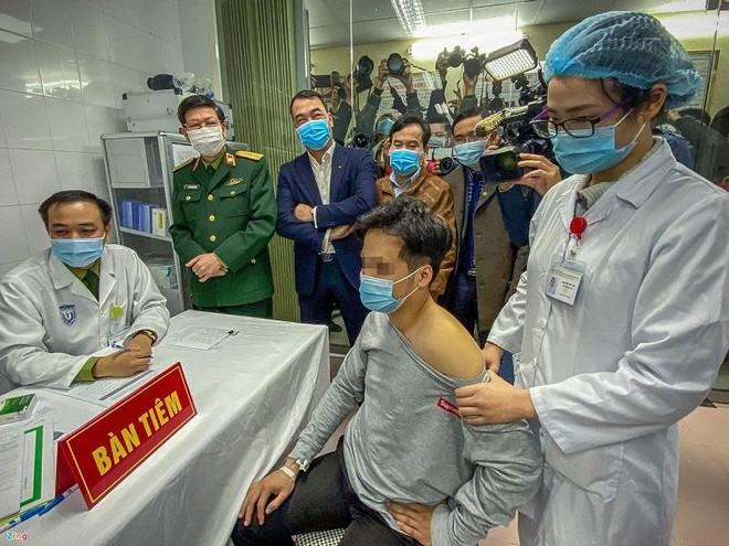 19 người đầu tiên được tiêm thử nghiệm giai đoạn 3 vaccine Covid-19 do Việt Nam sản xuất ảnh 2
